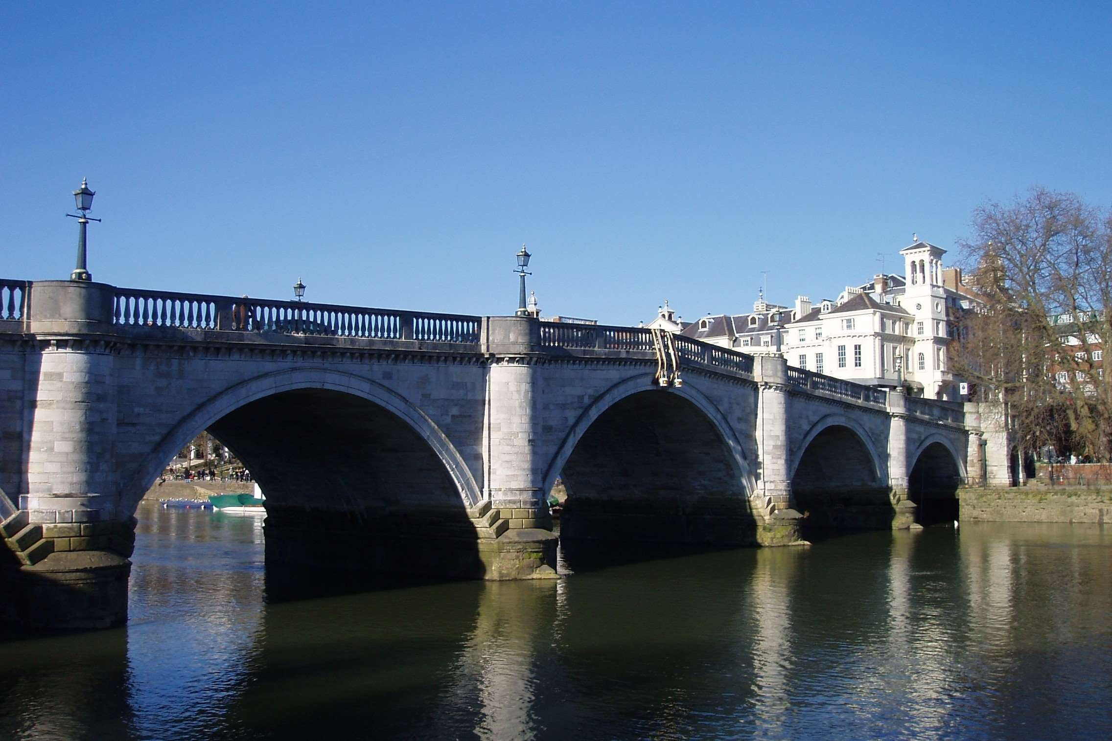 richmond_bridge,_london_(march_2010)